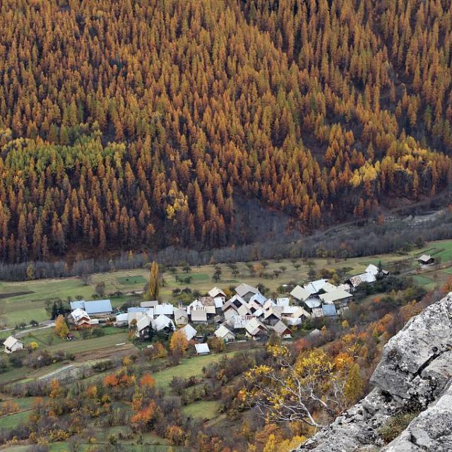 Le Villard de Vallouise - Couleurs d'automne ©Jean-Philippe Telmon - Parc national des Ecrins