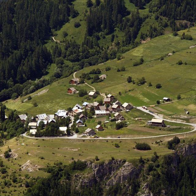 Hameau de Puy Aillaud - commune de Vallouise ©Jean-Phililppe Telmon - Parc national des Ecrins