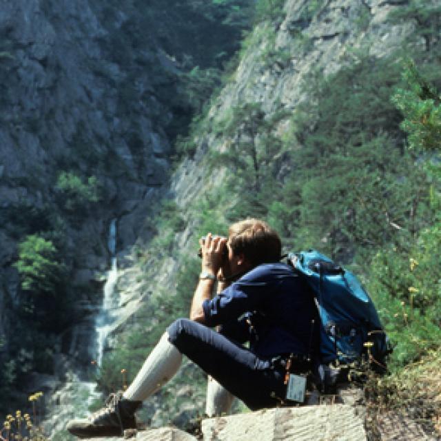 Garde-moniteur, parc national des Ecrins, dans les premières années de création.