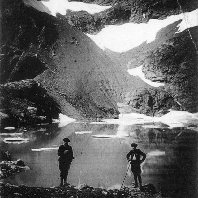 Lac de l'Eychauda, massif du Pelvoux (coll. PNE, Papeterie des Alpes, Eug Robert, Grenoble)