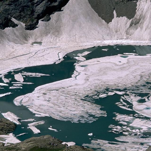 Le lac de l'Eychauda © Robert Chevalier - Parc national des Ecrins