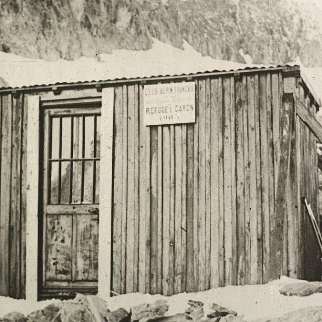Le refuge Caron 1903- coll. Parc national des Ecrins