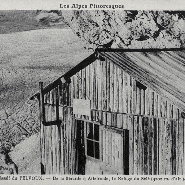 De la Bérarde à Ailefroide, le refuge du Sélé (3202 m) - coll. Parc national des Ecrins
