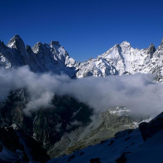 Du Pelvoux aux Ecrins au-dessus du glacier noir © Robert Chevalier - Parc national des Ecrins