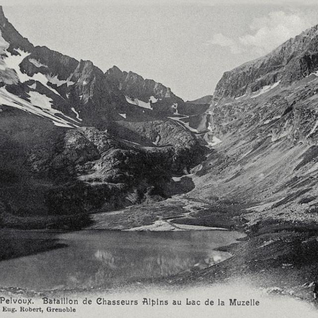 Bataillon de chasseurs alpins au lac de la Muzelle - collection Lucien Tron