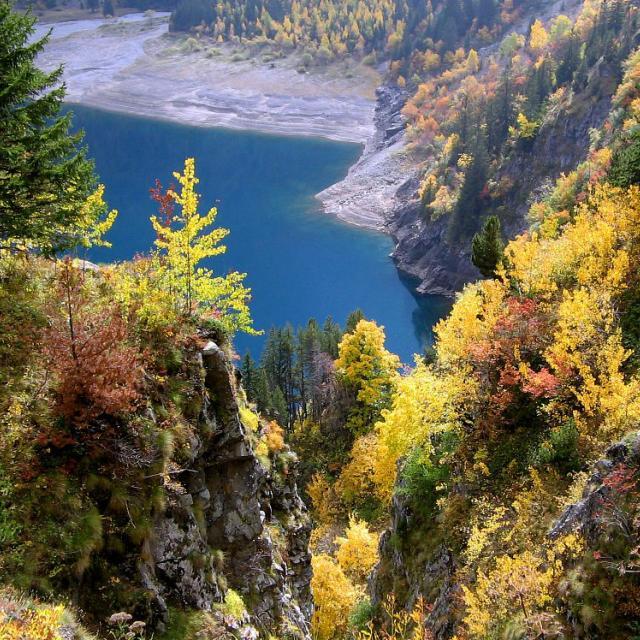 Le lac du Lauvitel en montant vers Plan Vianney © Christophe Albert - Parc national des Ecrins