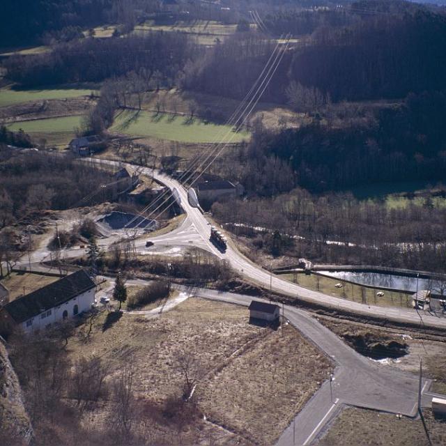 Le pont des Richards depuis le château fort © Gilbert Durand - Parc national des Ecrins