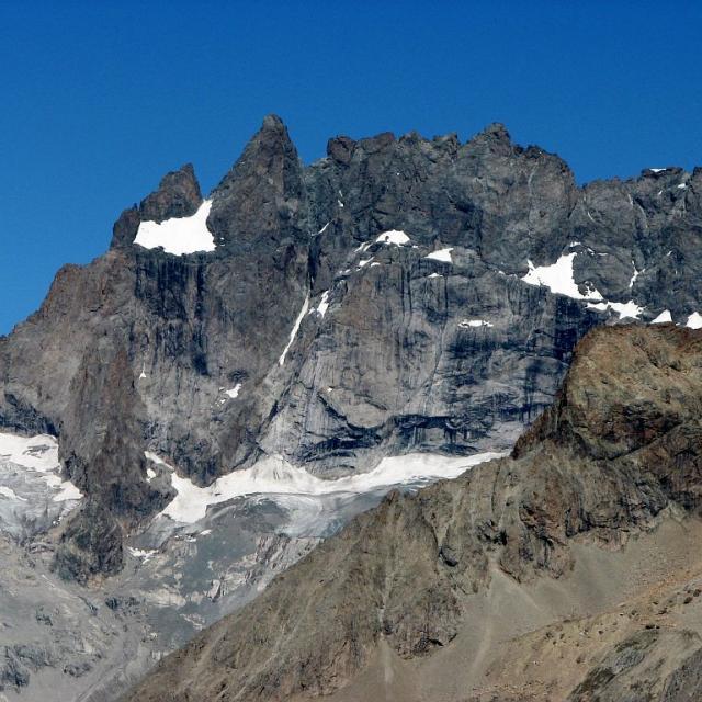 Glacier Carré et la Meije depuis la Girarde, à l' entrée du vallon du Chardon - St Christophe en Oisans © Christophe Albert - Parc national des Ecrins