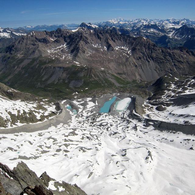 Glacier d'Arsine vu depuis l'amont - lacs d'Arsine - Combeynot sud - fonte du glacier - réchauffement climatique © Claire Broquet - Parc national des Ecrins
