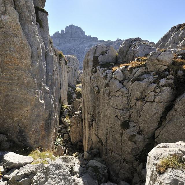Oucanes de Chabrières -  les failles du lapiaz - Réallon © Mireille Coulon - Parc national des Ecrins
