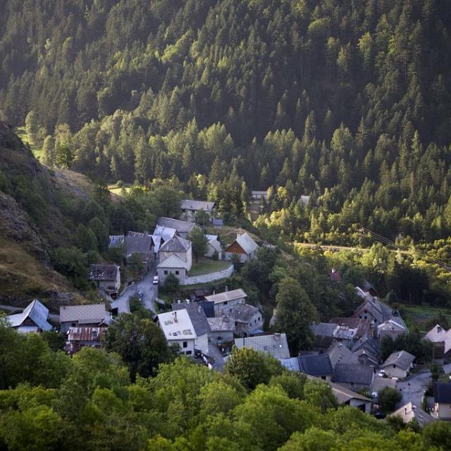 Villar-Loubière © Pascal Saulay,  Parc national des Ecrins.