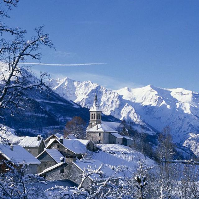 Mizoen en hiver © Jean-Pierre Nicollet, Parc national des Ecrins.