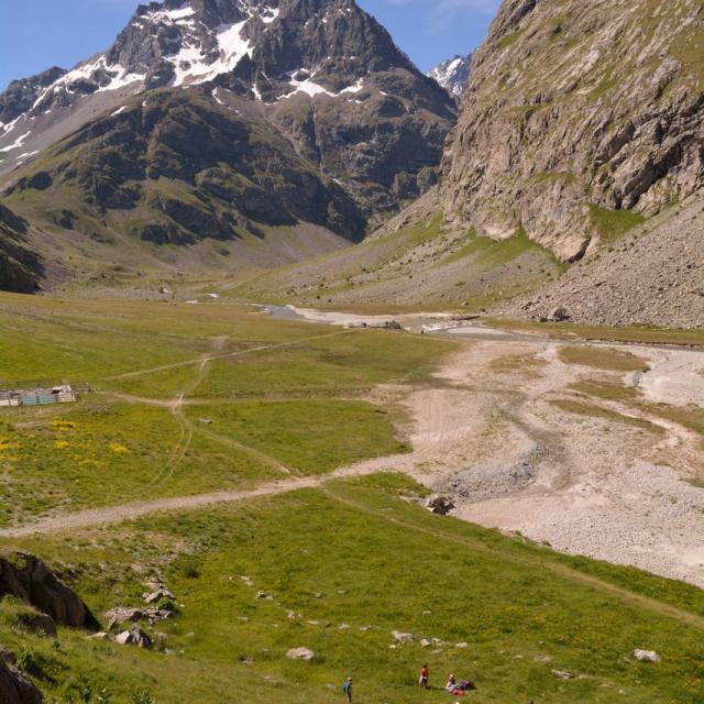 Sortie de fin d'année à l'Alpe de villar d'Arène - école de Savines - © M-Coulon - Parc national des Ecrins