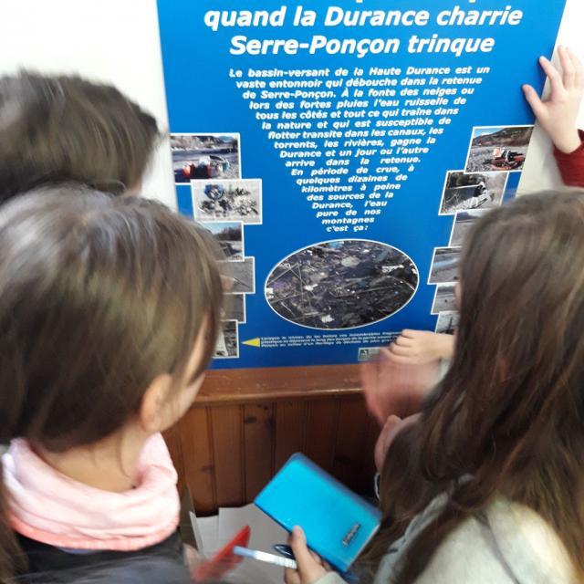 Inervention sur le transport des déchets par l'eau - mars 2020 - ecole de Vallouise