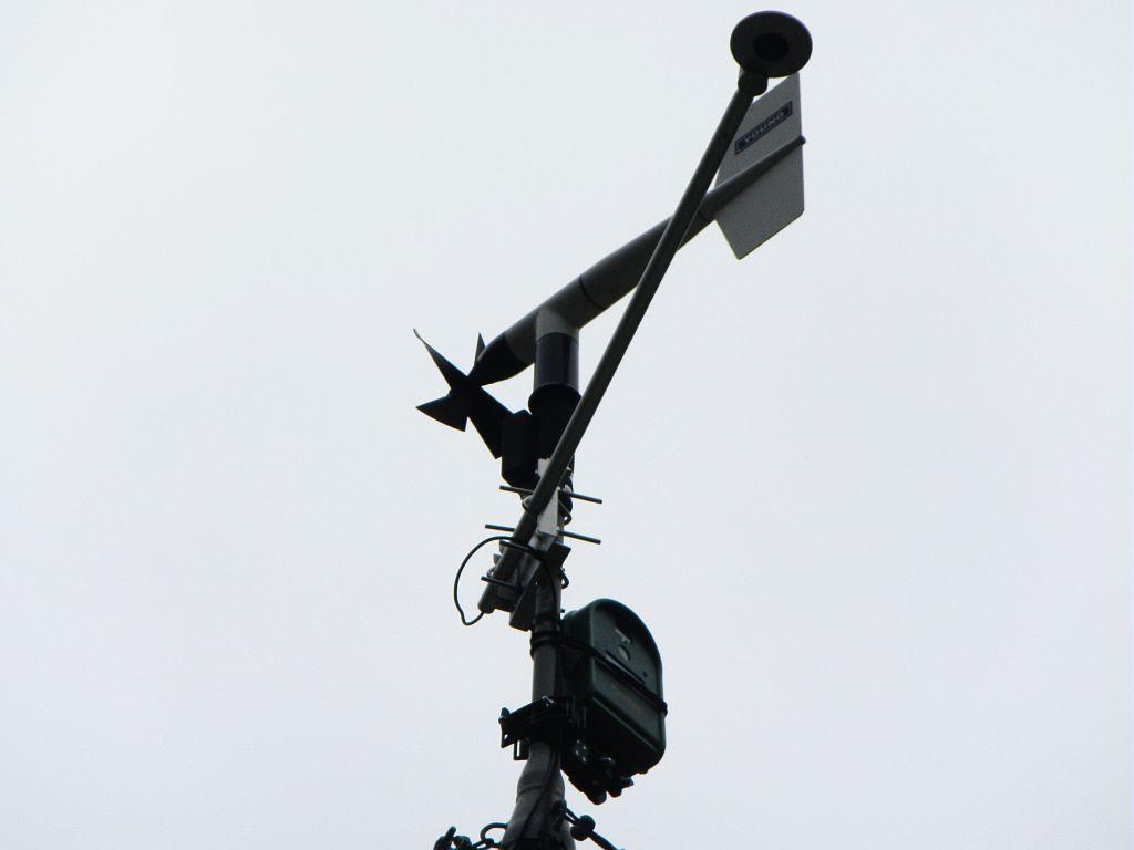 Etude sismique des sédiments du Lauvitel  - Mission Laboratoires EDYTEM (Environnement et DYnamiques des TErritoires de Montagne) et LIENSS (Université la Rochelle) - Appareil photo -plantcam- sur station météo Lauvitel © Clotilde Sagot - Parc national des Ecrins